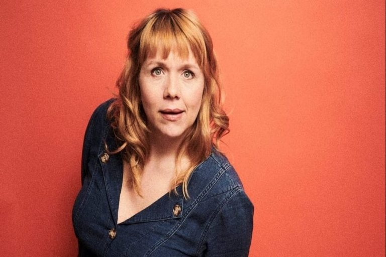 Kerry Godliman at Chequer Mead Theatre